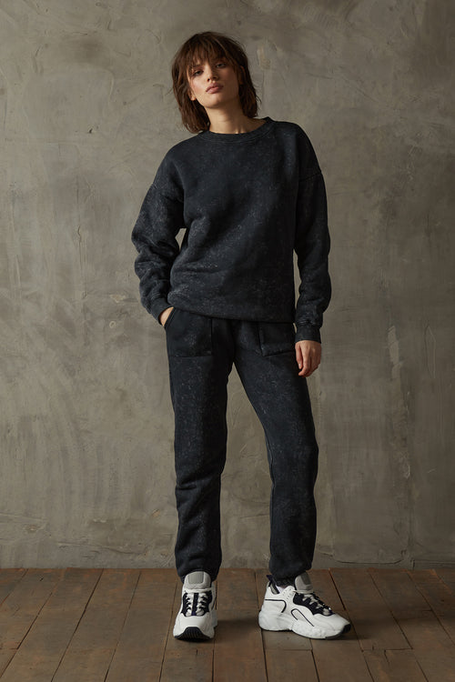 Women's 530 Washed Black Sweatshirt
