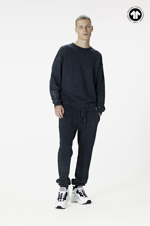 530 Washed Black Sweatshirt