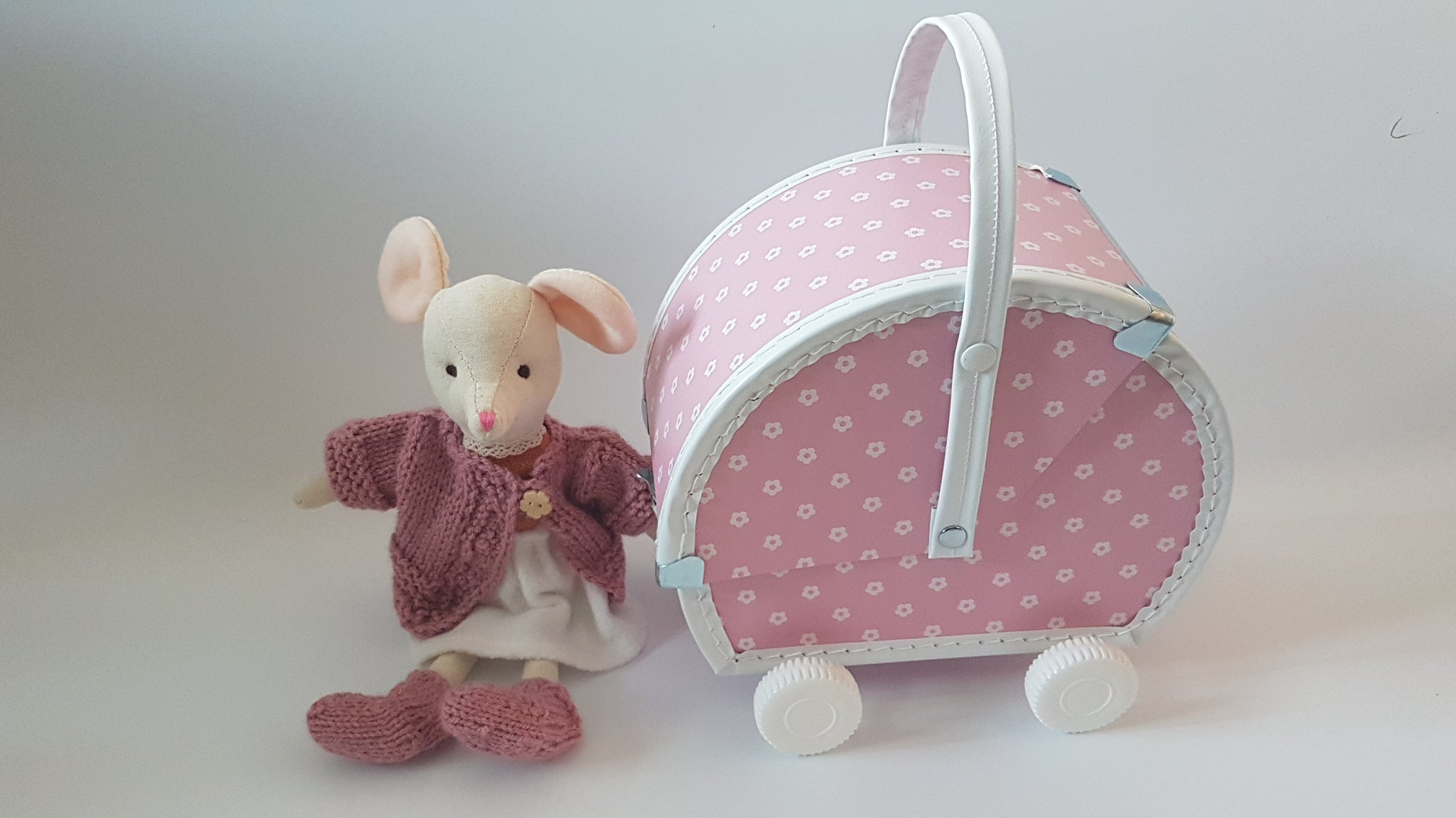 Mouse in a stroller