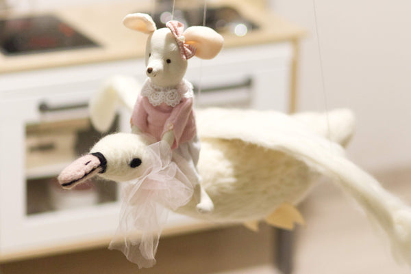Swan Baby Mobile, Needle Felted Nursery Mobile, Girl Crib Mobile, Bird Nursery Mobile, Waldorf Style Mobile, Natural Baby Mobile, Crib toy