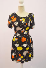 1990s floral tea dress style with rear tie and side zip, Est UK size 8