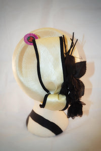 1960s Formal straw hat | Hat with black flowers | Hat with bow