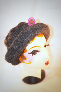 1980s vintage woollen brimmed hat in grey with bobble effect