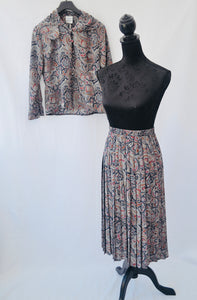 1980s Paisley print ladies 2 piece suit | Skirt and blouse set | Est UK size 10/12
