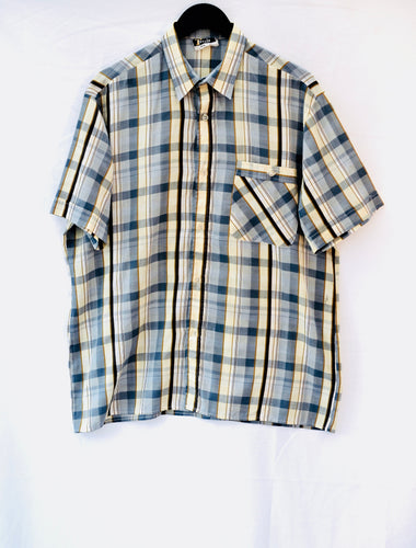 1980s mens short sleeve shirt in blue, brown and white. Est UK size L