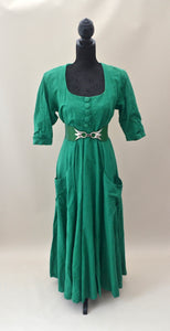 1980s Green full circle skirt dress with pockets, Est UK size 14