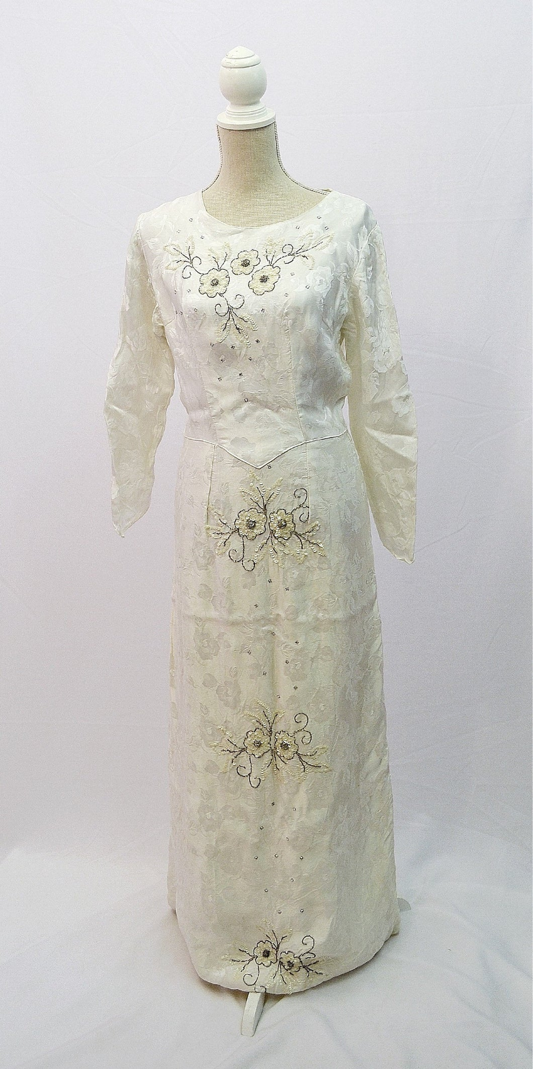 1950s full length wedding dress | long sleeves bridal gown | UK size 10