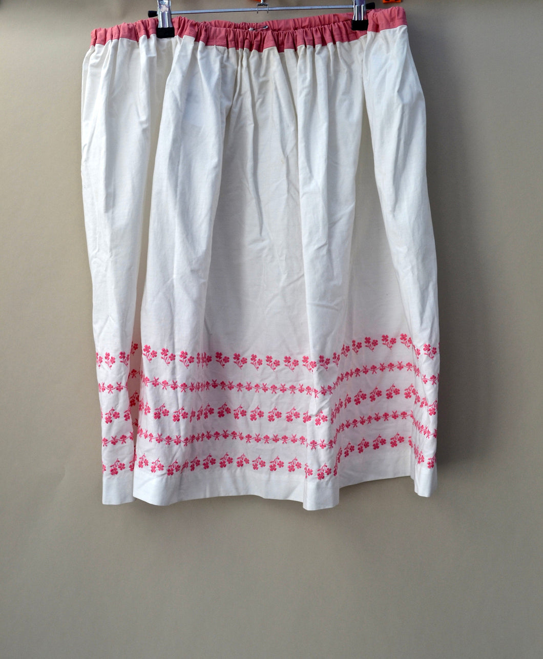 1970s Floral pink and white elasticated skirt | Midi length casual skirt | Est UK size 16