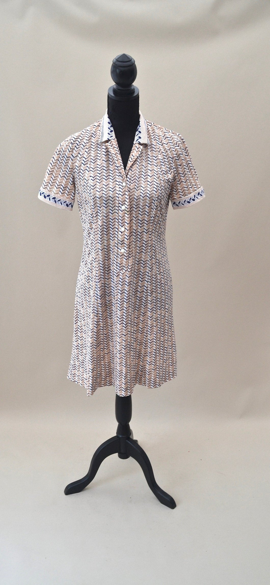 1970s Chevron print dress | Short sleeve dress | Shift dress | Est UK size 12