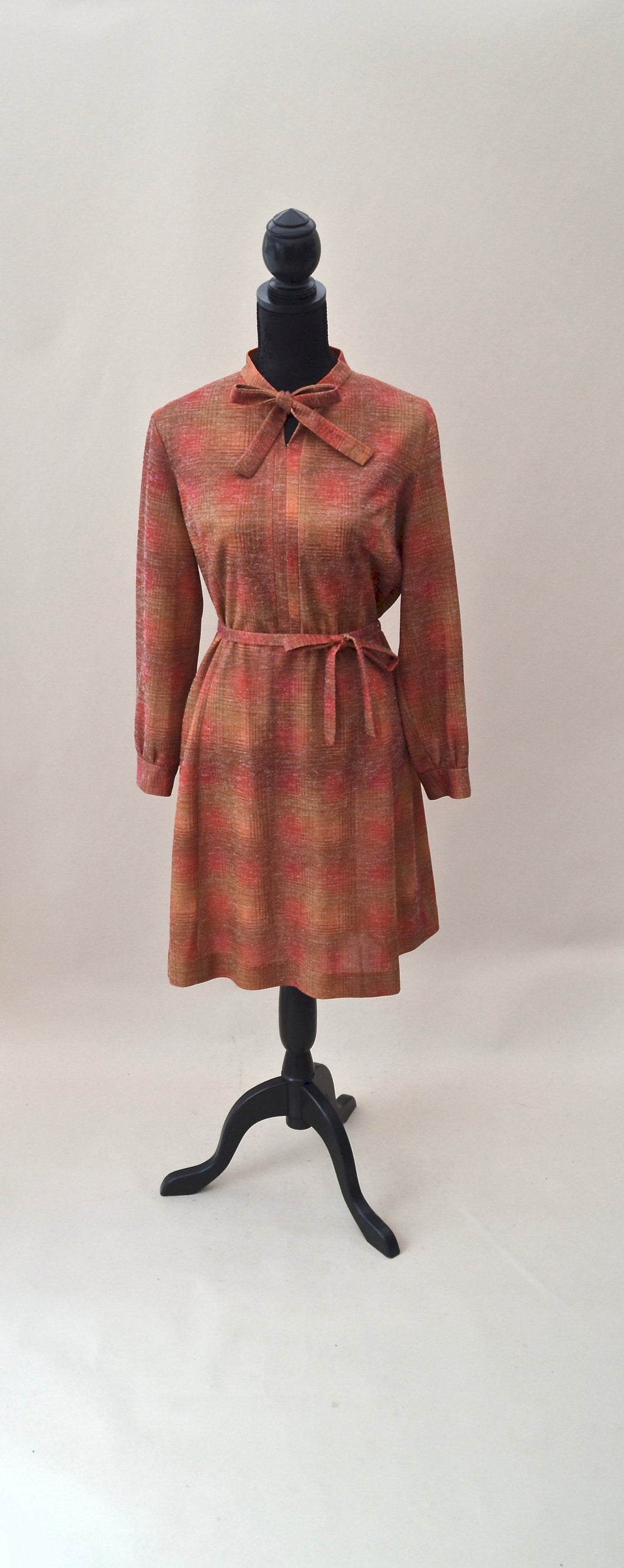 1970s Aline boho day dress with pussy bow and belt and sleeves, Est UK size 14/16