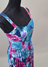 1980s Floral summer dress in blues and pinks, Est UK size 12