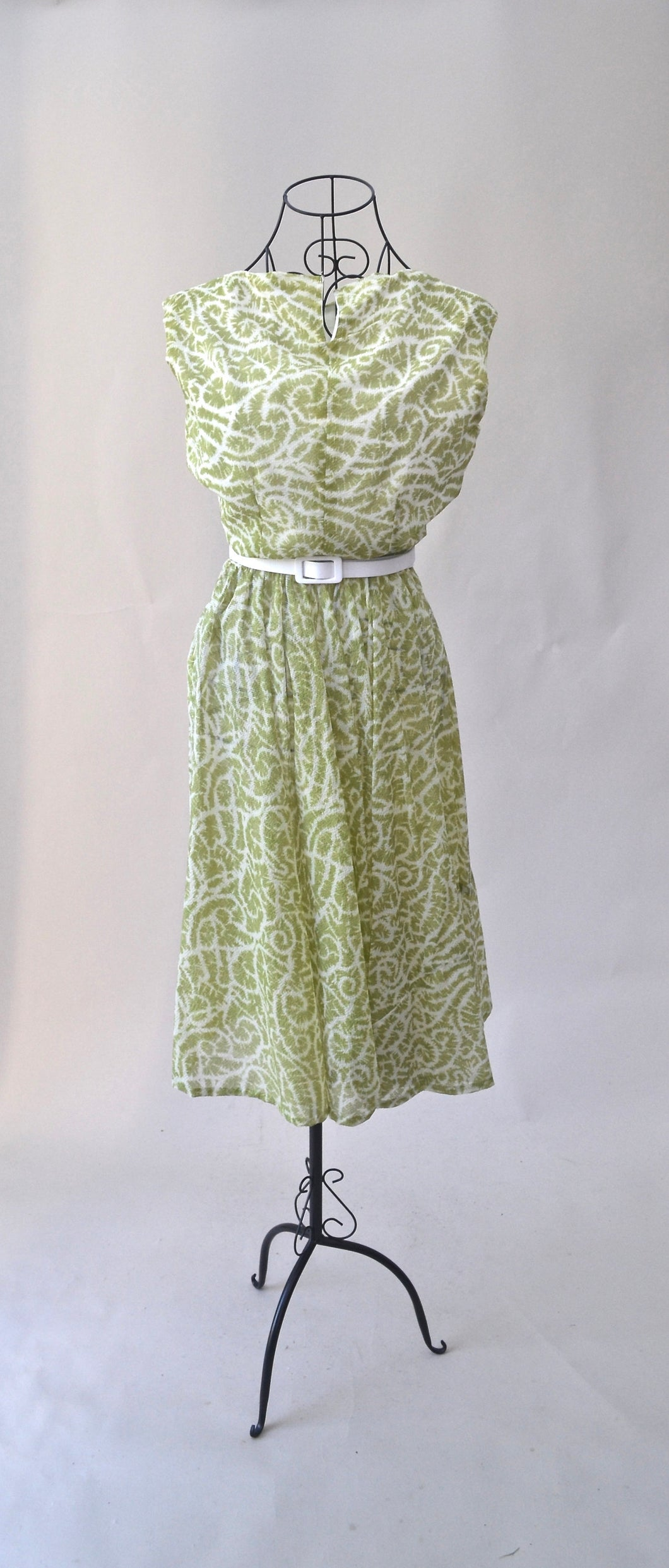1950s Green and white dress | Sleeveless dress | Vintage day dress | Est UK size 8