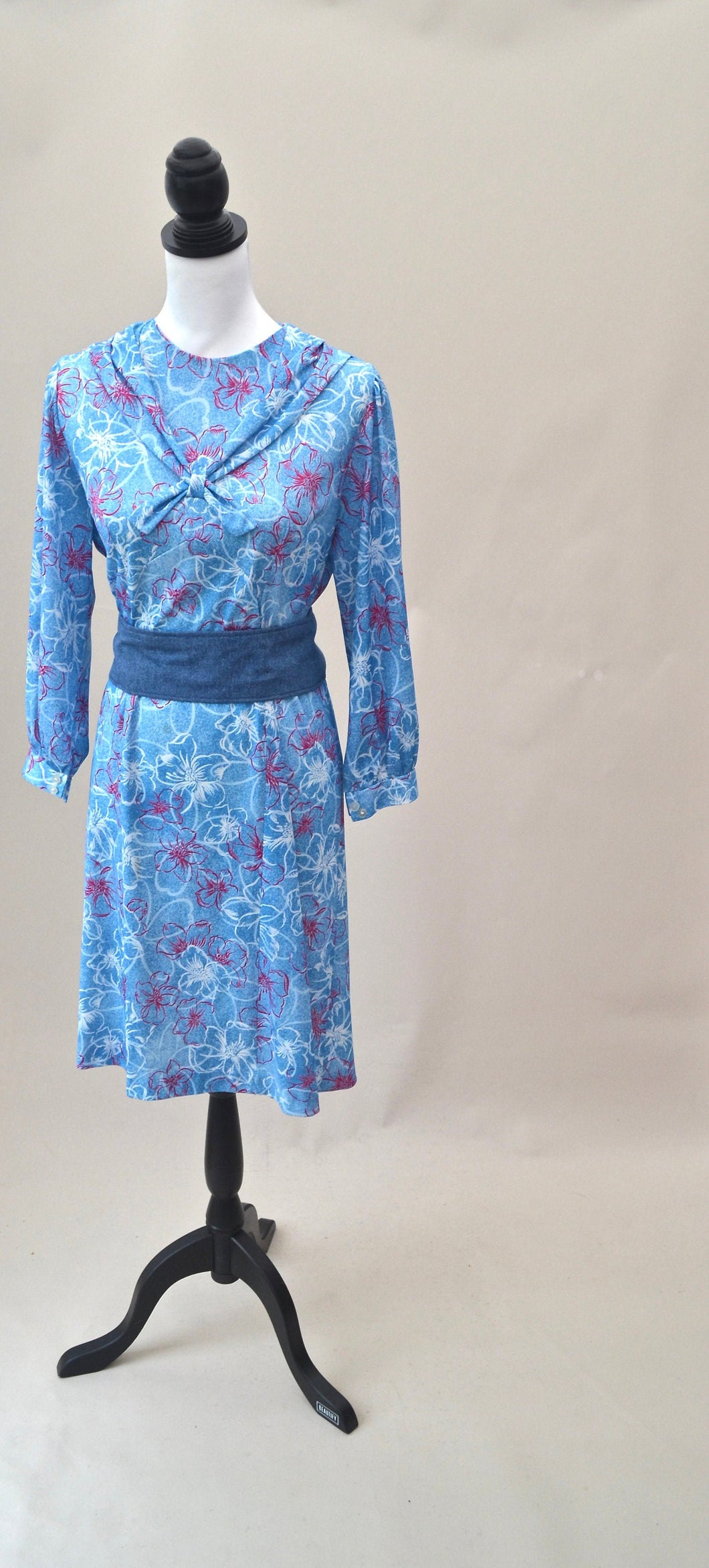1970s Blue floral dress | Long sleeve dress with sailor boy collar | Est UK size 12