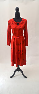 1980s Red and black patterned dress | Long sleeved dress with belt | Est UK size 16