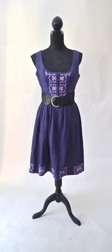 1970s Purple embroidered dress | Corset style dress |  Quirky midi dress | Est UK Size 10