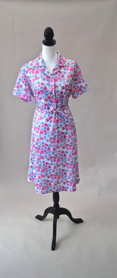 1960s Floral dress | Short sleeved dress | Dress with belt | Pretty dress | Est UK size 14
