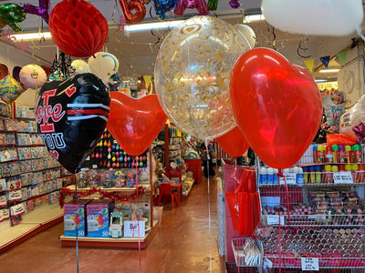 balloon buzz party shop which located at shah alam together with some helium filled balloon bouquet for customers.