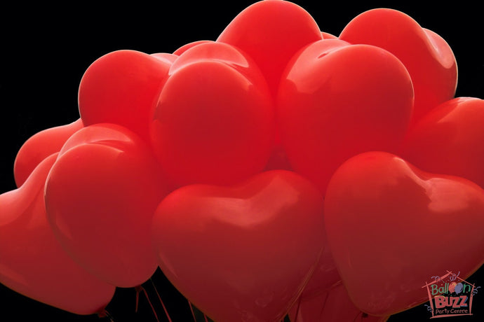 20 Heart-Shaped Helium-Filled Latex Balloons