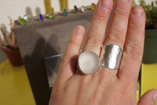 Load image into Gallery viewer, Chunky Seaglass Ring