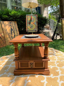 End Table/ Accent Table / Night Stand