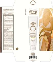 SUN BUM MINERAL SPF 30 Tinted FACE LOTION