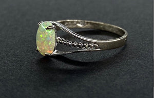 Vintage 14k White Gold Ring with Opal, Size 5 1/2