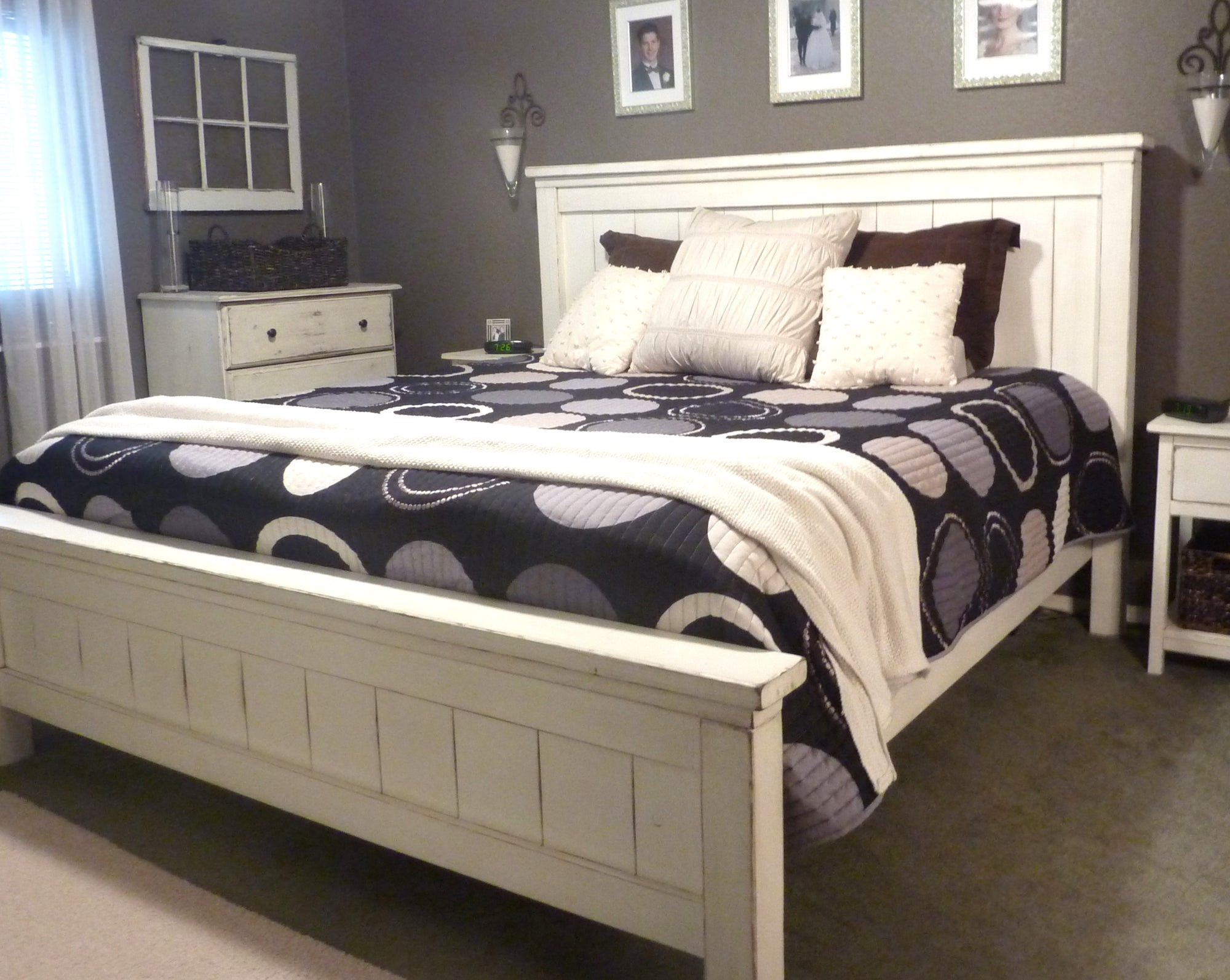 Shop hawkinswoodshop.com for solid wood & metal modern, traditional, contemporary, industrial, custom, rustic, and farmhouse furniture including our Made-to-Order Custom Rustic Farmhouse Beds - King Size.  Enjoy free nationwide shipping, help with the fight against hunger in the US, and support a family owned and operated business that helps puts food on the table for folks in rural Northern California.