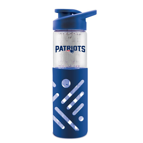 NEW ENGLAND PATRIOTS GLASS WATER BOTTLE W SILICON PROTECTOR SLEEVE 23 OZ