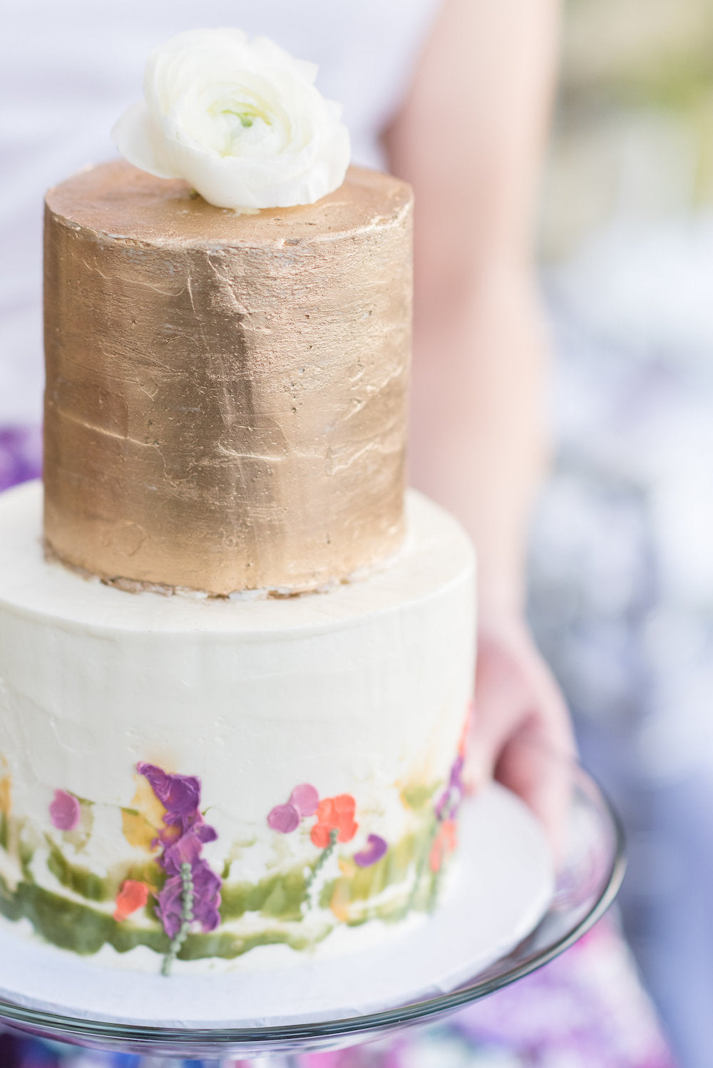 gold and floral cake - bridal shower advice
