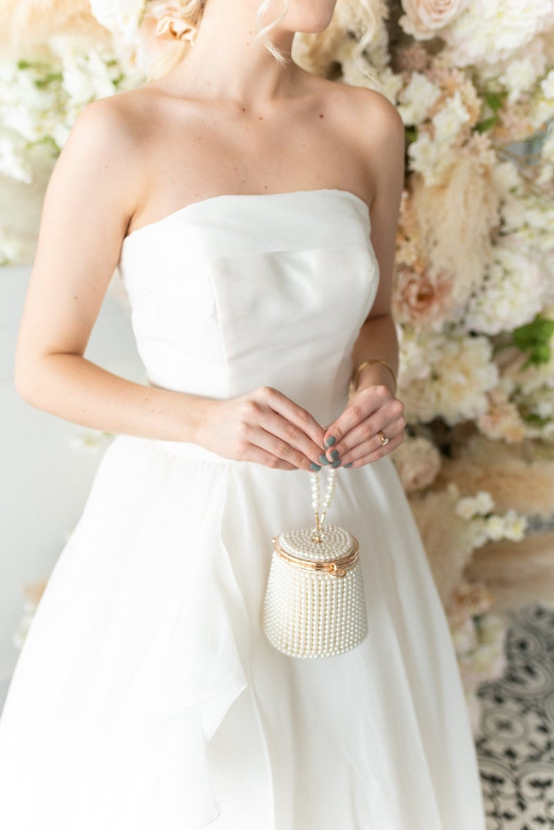 Delicate Bride Clutch with Pearls