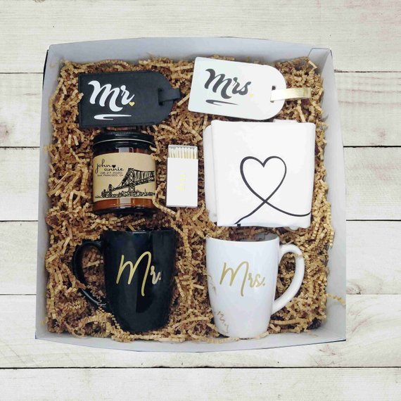 gift box wedding engagement gift