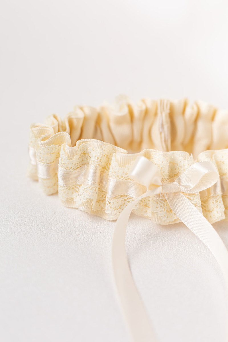 modern bridal garter with grosgrain and lace