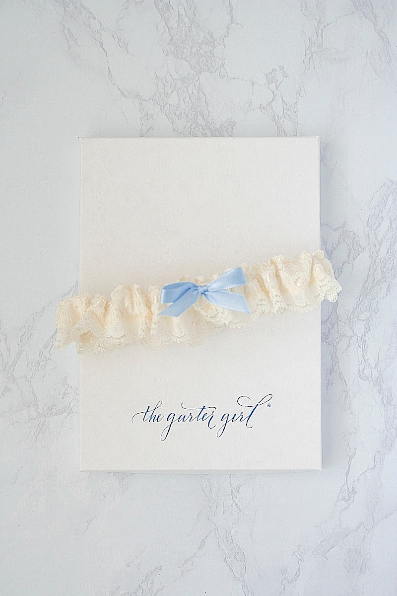 something blue wedding garter with ivory lace