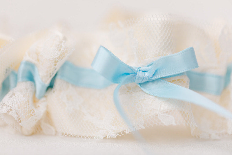 personalized garter with vintage lace