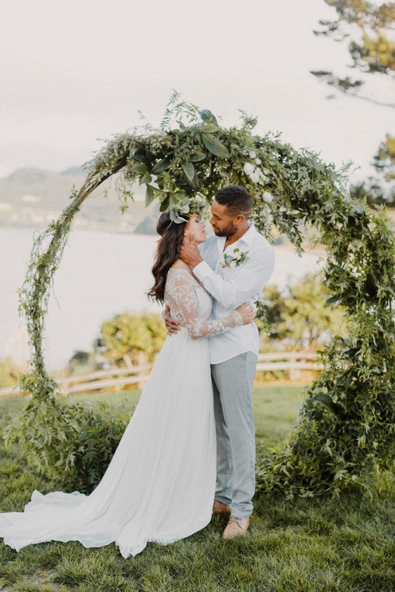 Round Floral Wedding Arch for Elopement Backdrop