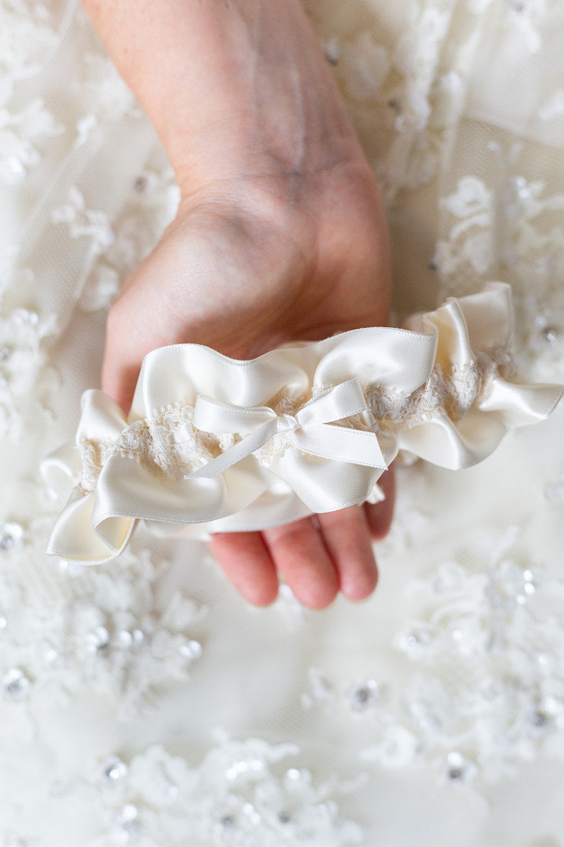 simple garter gift for bride to be