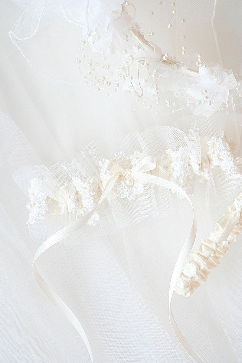 custom wedding garter made from bride's mother's veil