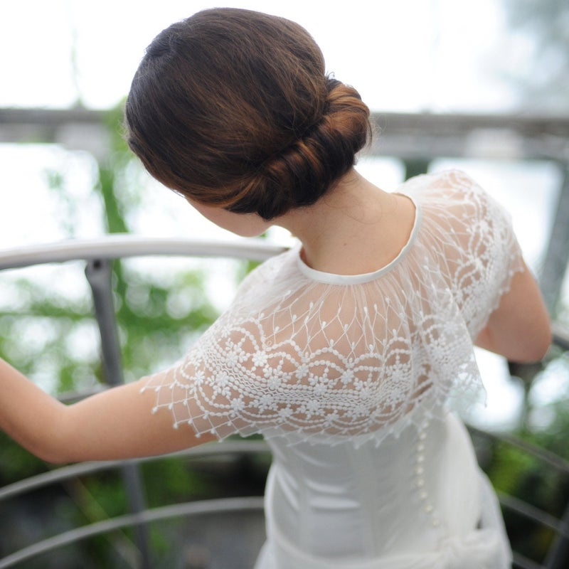 Vintage Lace Wedding Caplet