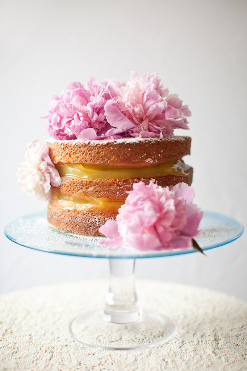 DIY wedding cake with flowers