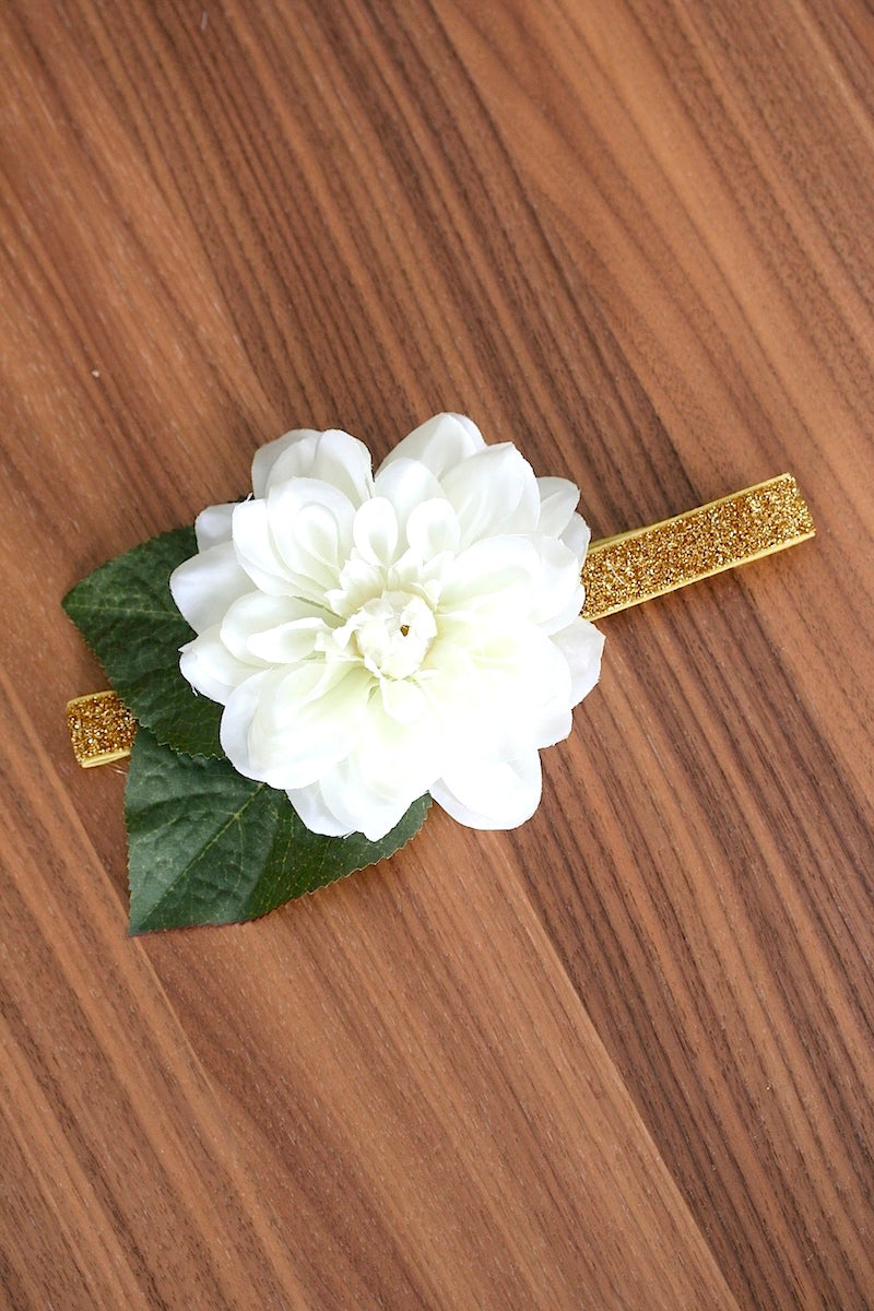 flower wedding garter with gold glitter