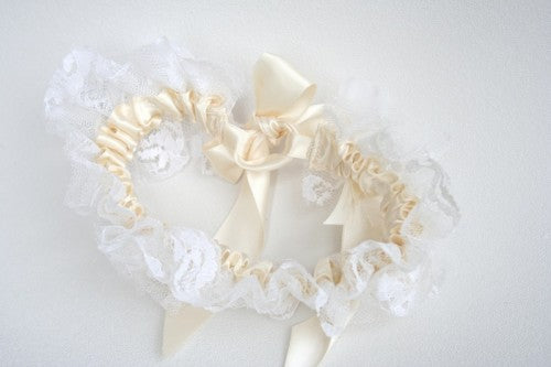 Heirloom-Vintage-Lace-Wedding-Garter-Style-601-The-Garter-Girl