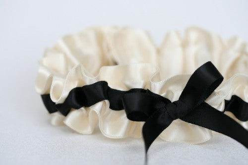 Stylish Black and Ivory Bridal Garter (1)