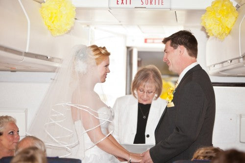 airplane-wedding-in-canada-EVN-phootgraphy