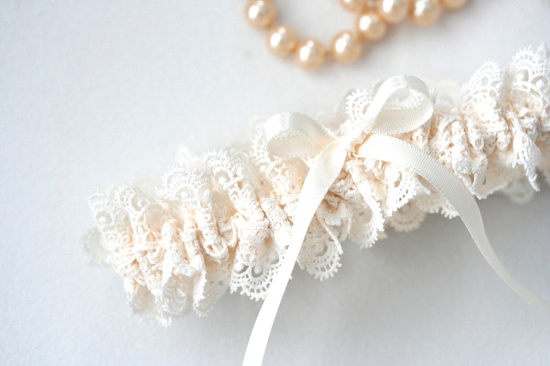 beautiful-lace-bridal-garter-The-Garter-Girl
