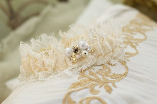 beautiful-lace-wedding-garter-The-Garter-Girl