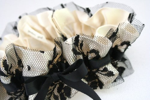 black-lace-and-ivory-wedding-garter