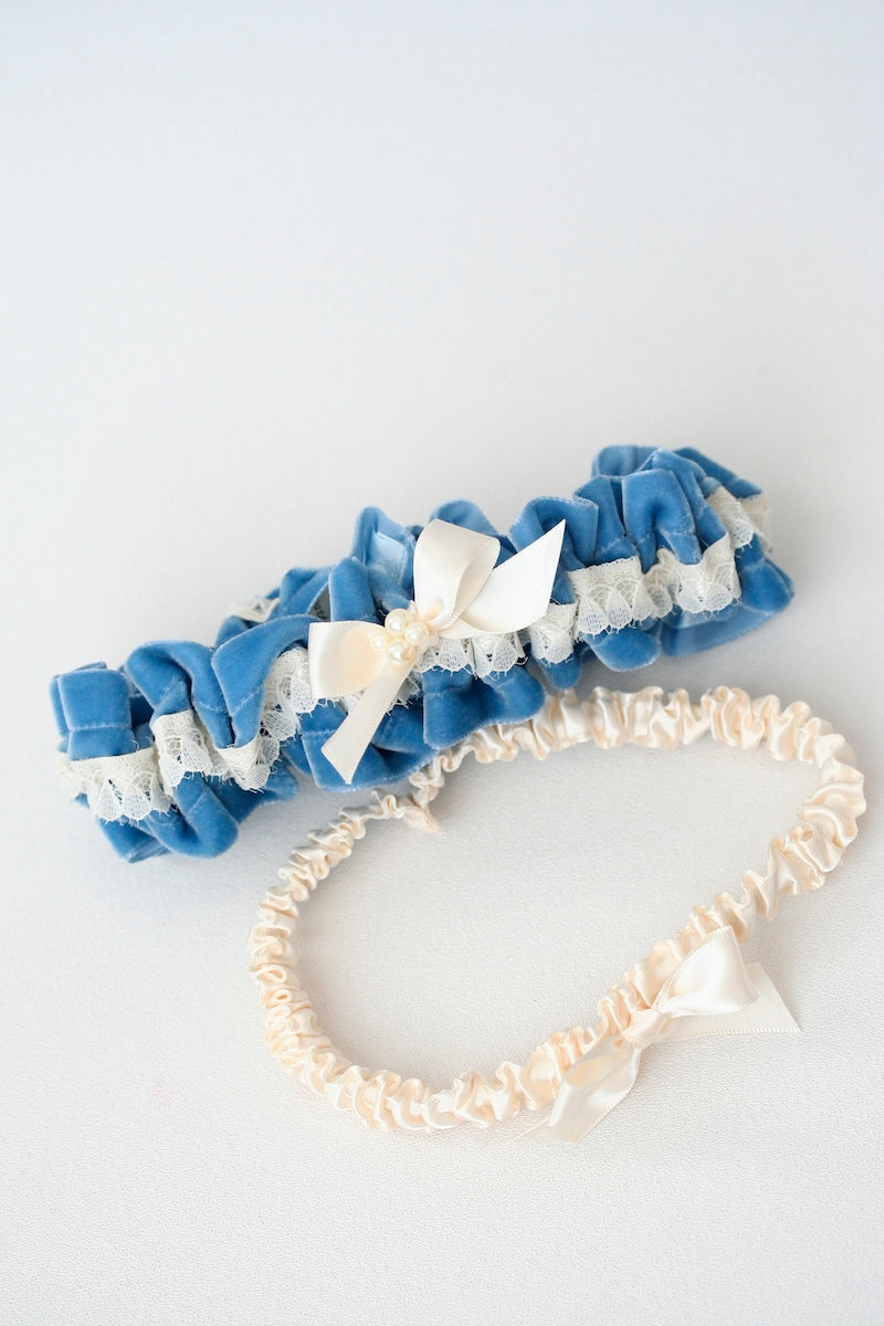 blue-velvet-wedding-garter-set-pearl-The-Garter-Girl