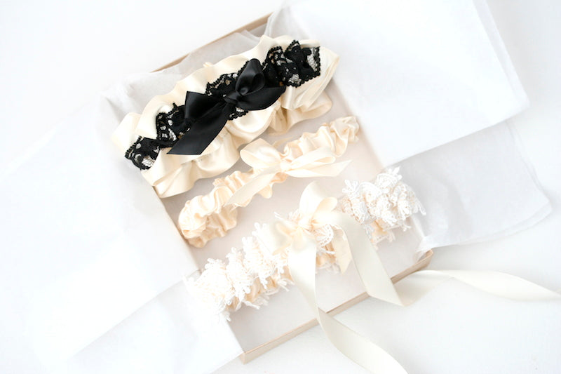 boudoir-box-wedding-garter-The-Garter-Girl-1