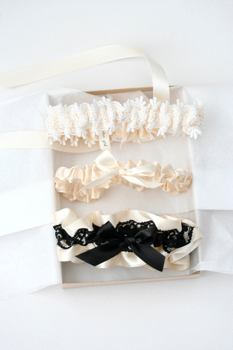 boudoir-box-wedding-garter-The-Garter-Girl-5