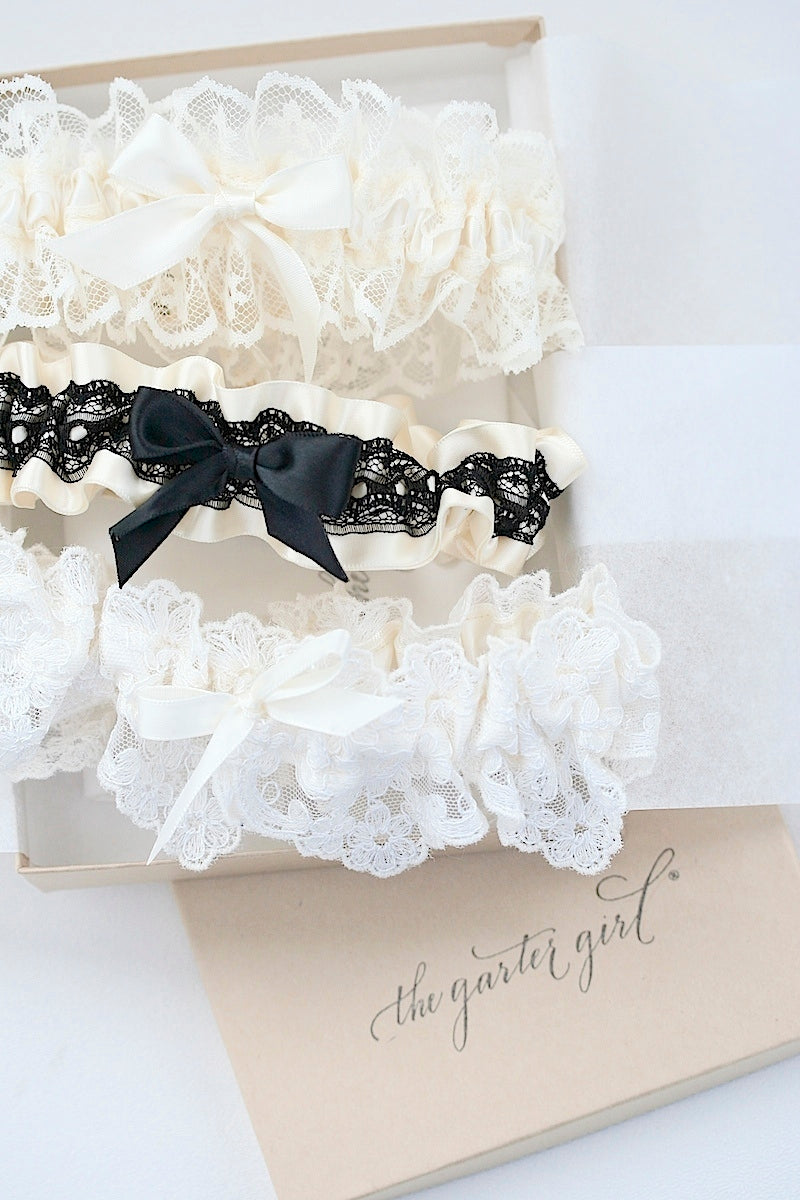 bridal-boudoir-wedding-garters-the-garter-girl